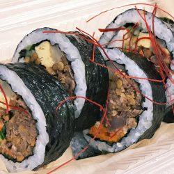 牛肉と生姜たっぷり8種具材のキンパ