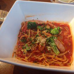 チョリソーとブロッコリーのトマトソースパスタ