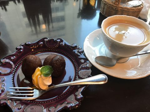 プチパンケーキとコーヒー